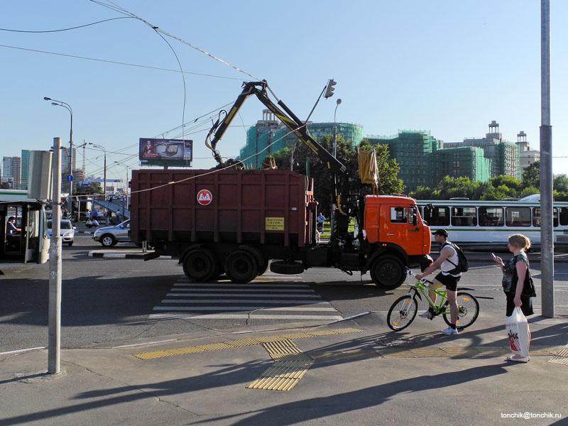 ДТП на пересечении Мичуринского проспекта и ул. Лобачевского